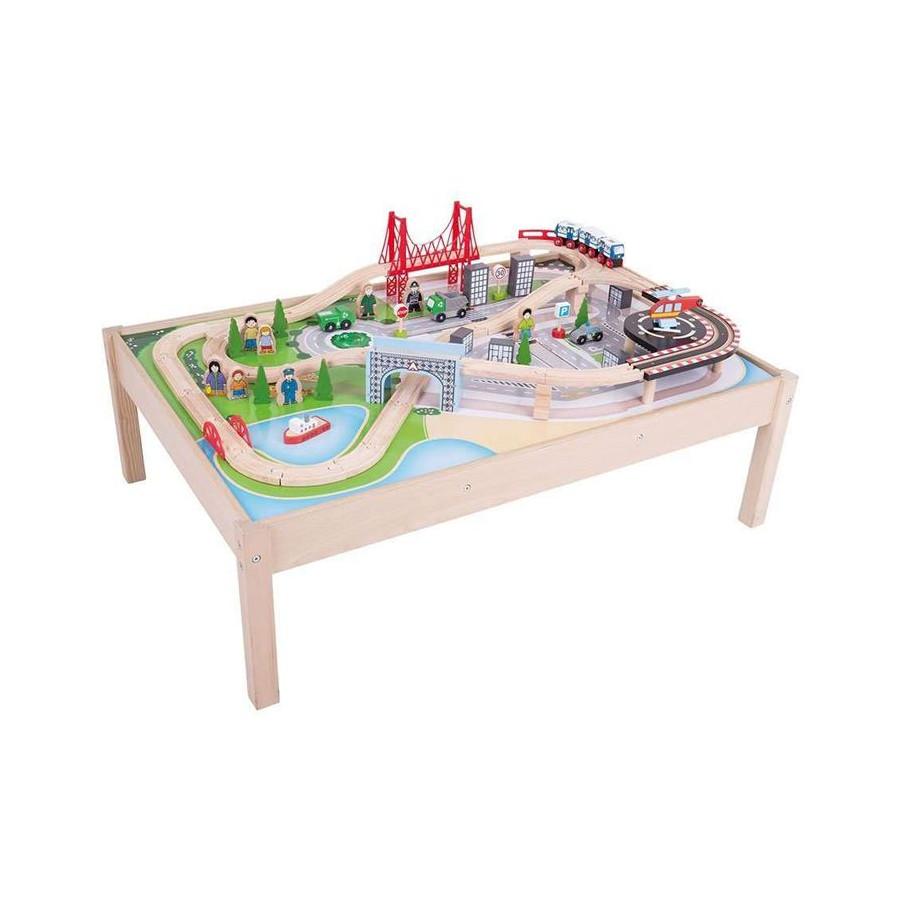 Table avec Grand circuit de train en bois de la Ville